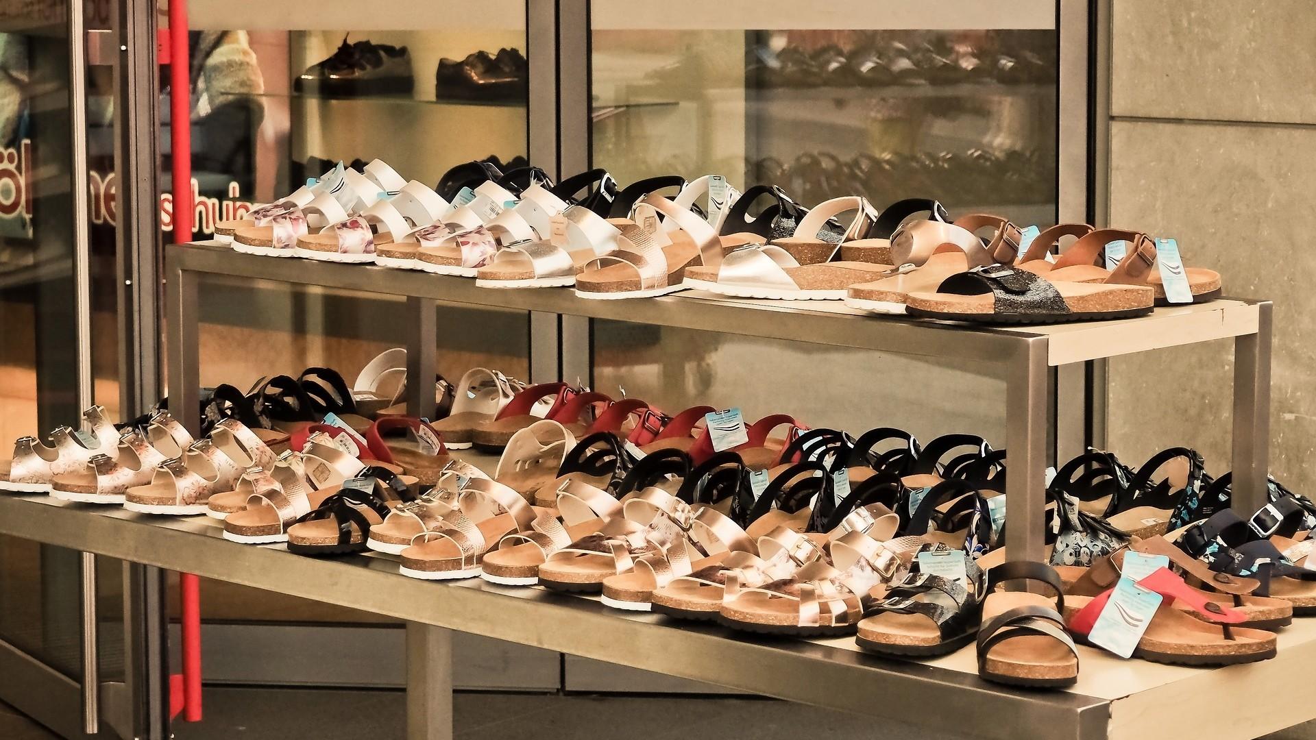▲鞋店,鞋子。(圖/取自免費圖庫Pixabay)