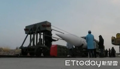 「星空-2」完成彈道大機動轉彎動作
