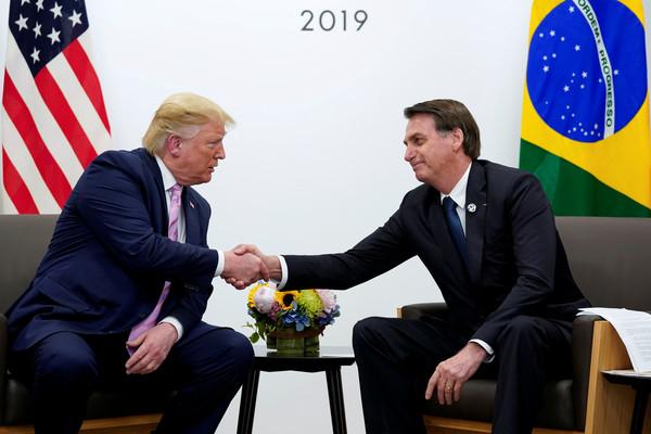 ▲▼美國總統川普(左)與巴西總統波索納洛(右)。(圖/路透)