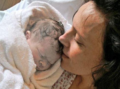 ▲女子在生產6小時之後,新生兒死亡,揭發醫院疏失高達600件。(圖/翻攝自推特)