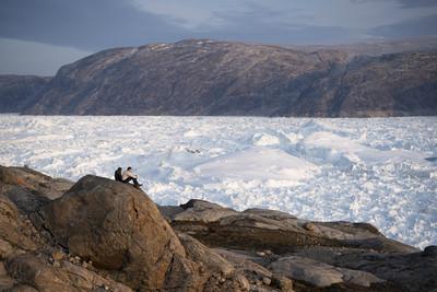格陵蘭冰蓋融化 變地表最大瀑布