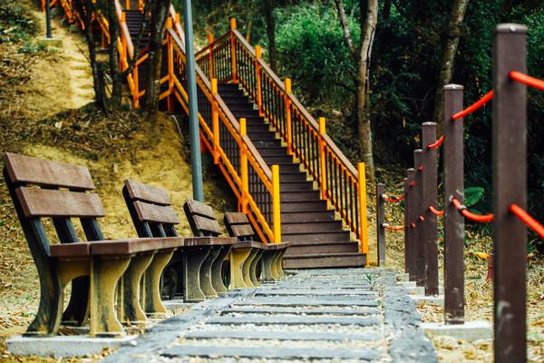 ▲盧秀燕主持霧峰「望月峰獻堂」步道啟用儀式。(圖/台中市政府提供)