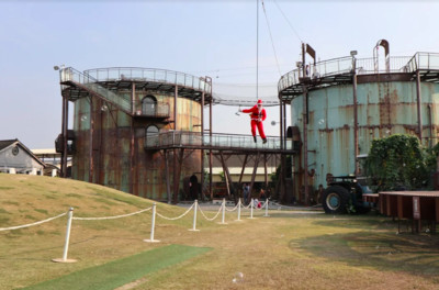 十鼓12米高工業風耶誕樹亮相