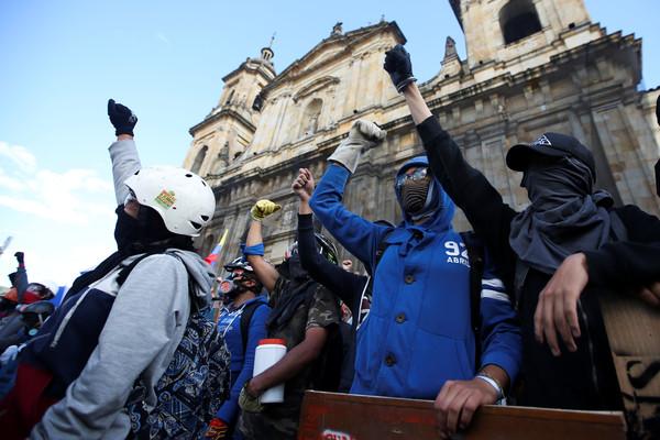 ▲哥倫比亞第三波全國性罷工,圖為首都波哥大(Bogotá)的示威情況。(圖/路透)