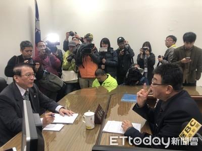 邱毅批阿扁違反「四不原則」 赴監院要求彈劾