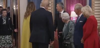 英女王接待川普 安妮長公主聳肩爆紅