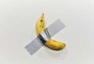 世界最奇葩藝術!膠帶黏香蕉賣365萬