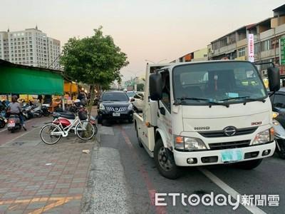 台南違停警方強力拖吊