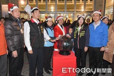 彰化耶誕樹點燈 嗨翻到明年