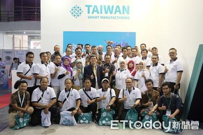 印尼技職校師生組團參訪臺灣館 體驗智慧製造技術