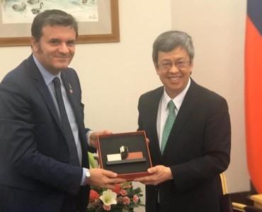 義大利前農業部長訪台 專訪中喊「是時候承認中華民國」