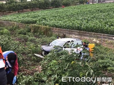 台中警車國道車禍翻落邊坡3人受傷