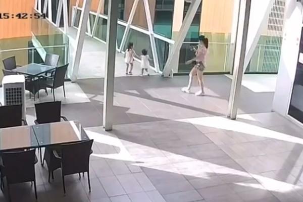 ▲▼媽媽欣慰錄女兒走路下秒目睹她墜樓。(圖/翻攝自臉書/Supermarket Borneo)