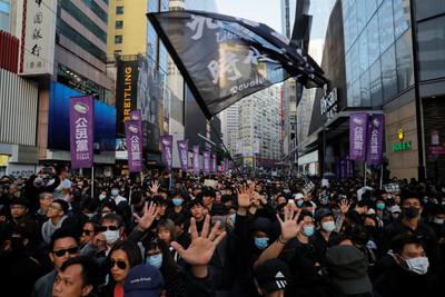 民陣:警方先製造恐懼 造成遊行人數有落差