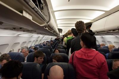 機上最髒的不是廁所!掌握6點防病菌