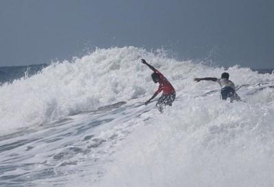 菲國選手捨金牌救落水對手