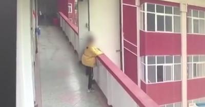 高一女吸菸被老師發現罰寫檢討!寫完5F跳下