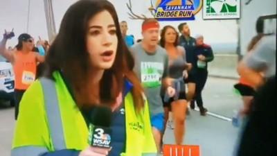 LIVE直播「被運動員襲臀!」女記者呆愣三秒 恢復專業繼續報導