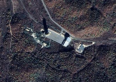 北韓躲監視 發射台下建地底車站
