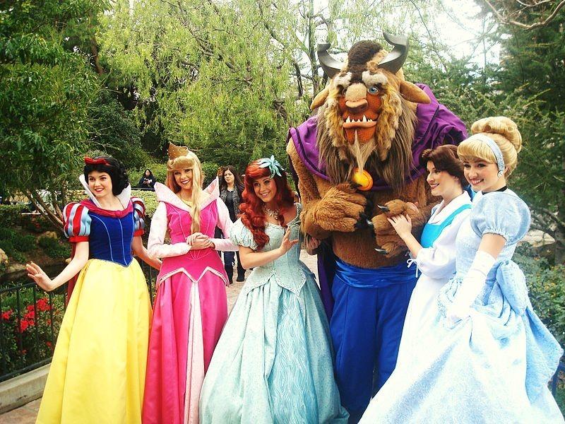 全世界最夢幻的職業?!在迪士尼樂園當公主到底是什麼感覺?