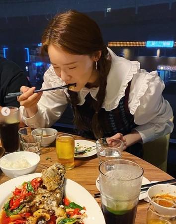 ▲潤娥用餐照被發現在東區。(圖/翻攝自潤娥IG)
