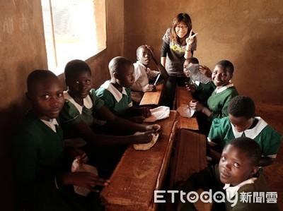 MBA碩士二度奔肯亞 助童除蚤教做衛生棉
