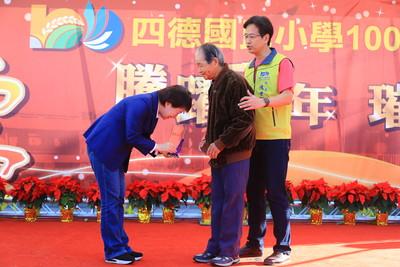 出席中女中百年慶 盧秀燕:全國最好女中