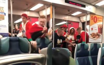 「一群耶誕老人」爆打制伏 火車刺人男遭壓頭滿臉血