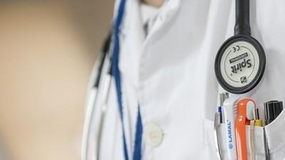 沒設備可診療!無國界醫生用敲身體「判斷病情」 愛滋病人:想用死解決
