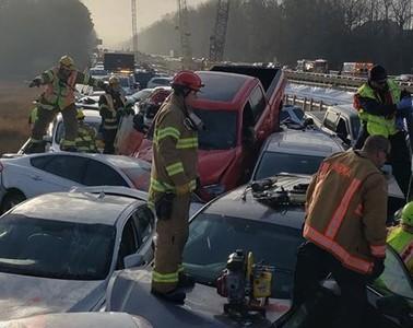 維吉尼亞州「69車連環撞」51傷2命危