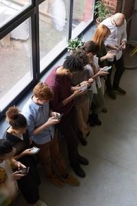 別再滑手機!告別科技冷漠靠它們