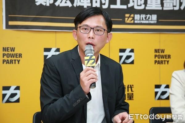 黃國昌深夜怒轟民進黨:發了多少疫苗的假訊息?