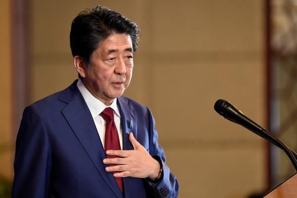 ▲▼日本首相安倍晉三會談中國國務院總理李克強。(圖/路透)