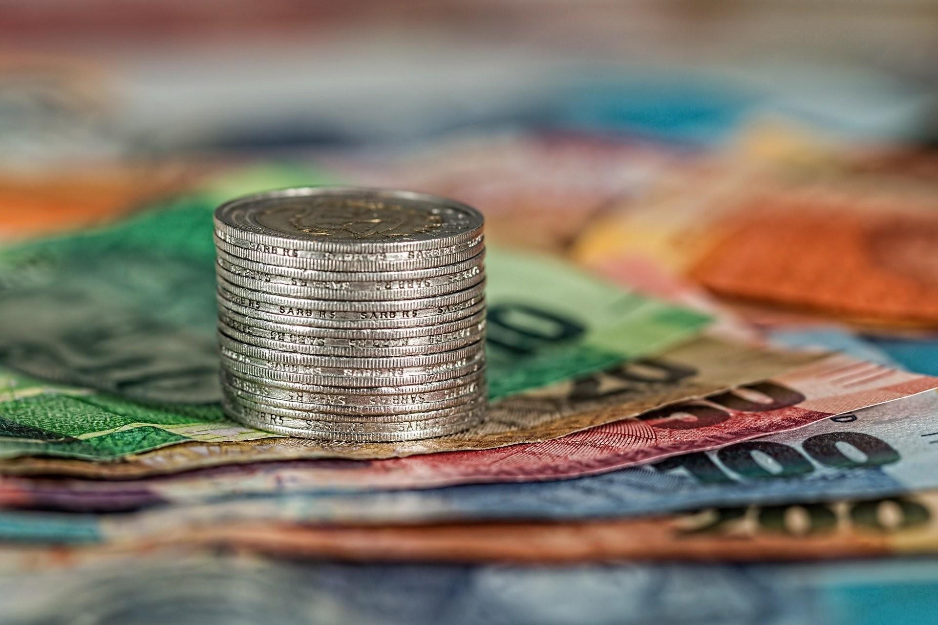 ▲金錢,鈔票,理財,投資,存錢,投資型保單。(圖/pixabay)