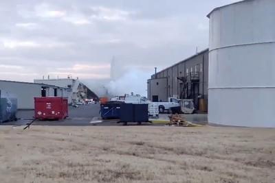 堪薩斯州飛機工廠爆炸 15傷1命危