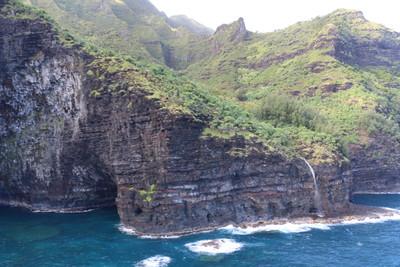 夏威夷直升機墜毀 發現6乘客遺體