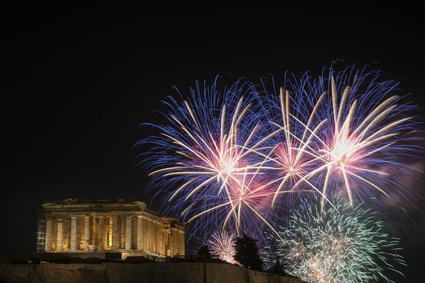 ▲2020希臘雅典煙火。(圖/達志影像/美聯社)
