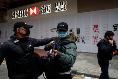 台灣禁「香港惡棍」入境?陸委會評估