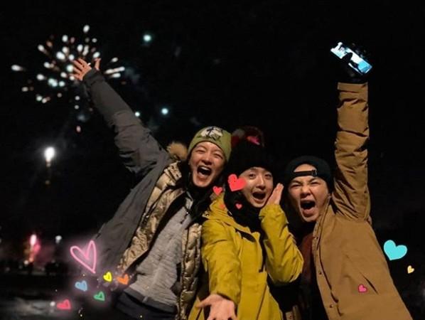 ▲Janet、Ella、林依晨一起跨年。(圖/翻攝自Instagram/Janet、Ella)