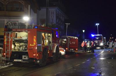 義大利「汽車撞觀光團」6死11傷