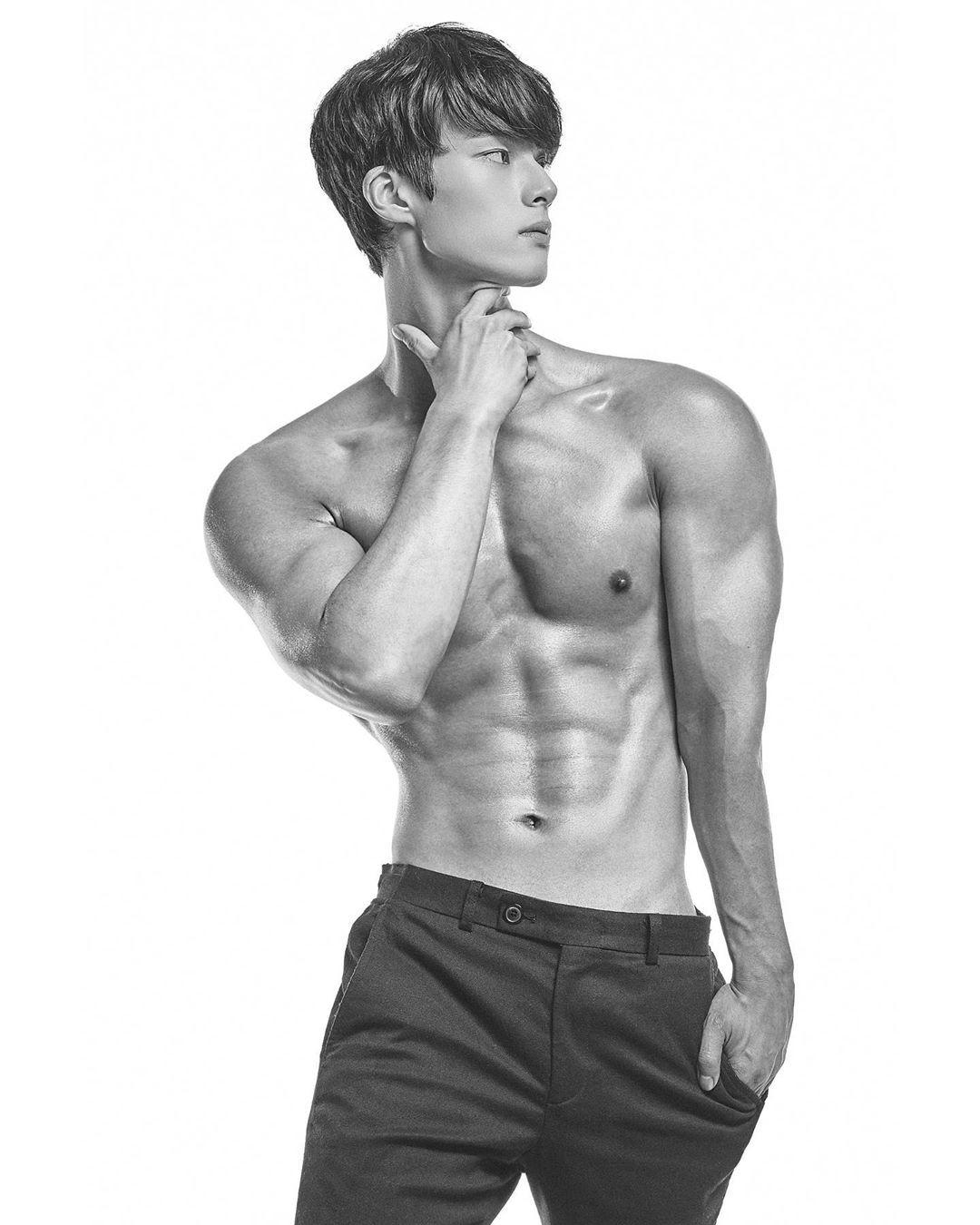 ▲▼南韓直播主봇노잼練就一身大肌肌(圖/翻攝自Instagram@nojam_bot)