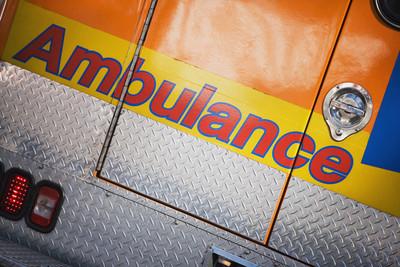 青少年挾持救護車救友 只是腳扭傷