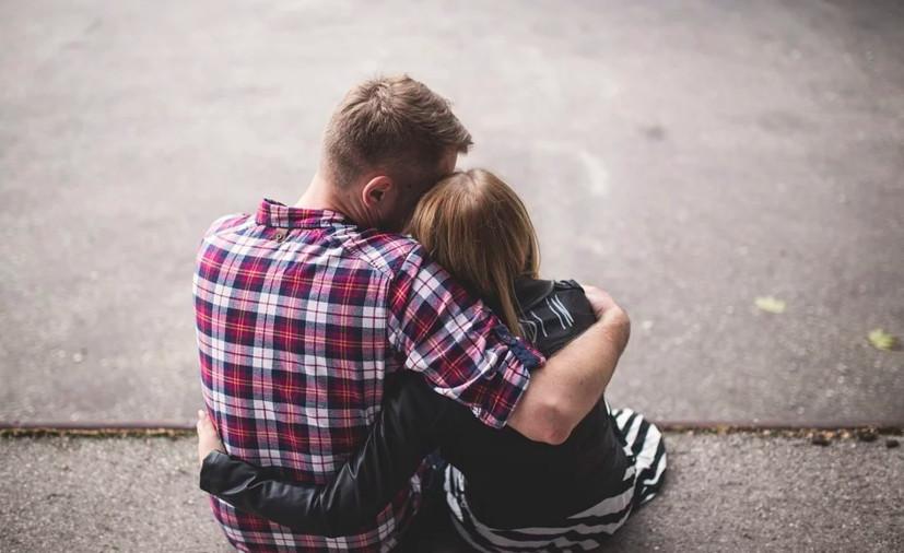 12年死黨問能不能捐精給她 他上網求救:她不知道我暗戀她很久了
