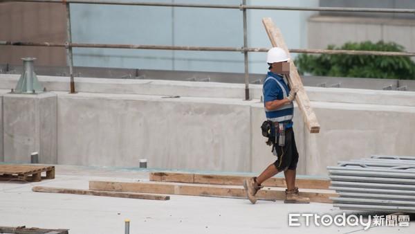 ▲▼工人,勞工,工地,工安,工地勞工安全,營建工程。(圖/記者季相儒攝)