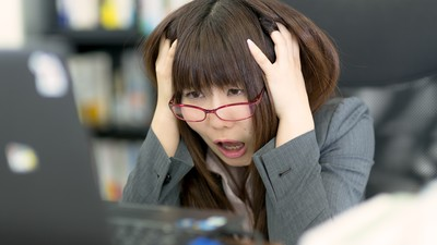 當機就發飆摔鍵盤!上班族普遍患有「電腦狂暴症」 對同事胡亂發飆