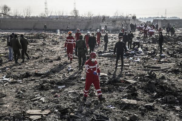 ▲▼烏克蘭國際航空(UIA)波音737客機墜毀。(圖/路透)。(圖/達志影像/美聯社)