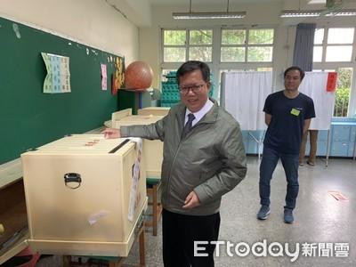 鄭文燦投票 盼大家珍惜手中選票