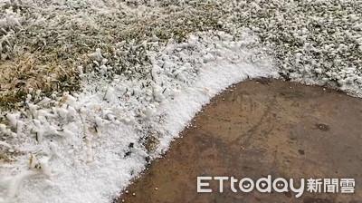 快訊/冷氣團發威! 玉山下冰霰13分鐘、合歡山下雪