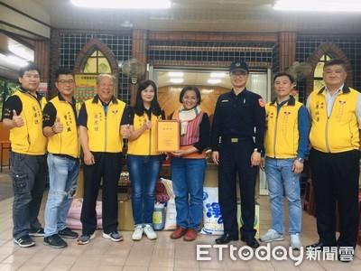 「鼠」不盡的愛 屏東志工大隊、內埔警贈教會物資