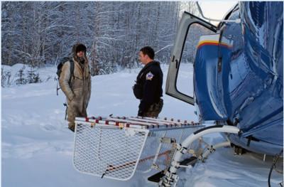 男困荒野23天 雪地畫SOS獲救